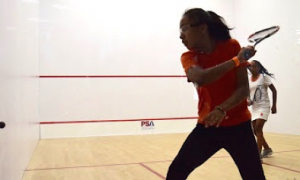 CitySquash girls Dainalee Velez and Karla Dominguez compete for the winner's prize